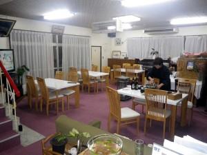 春日旅館の食堂