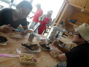 男木島テーブルでランチ