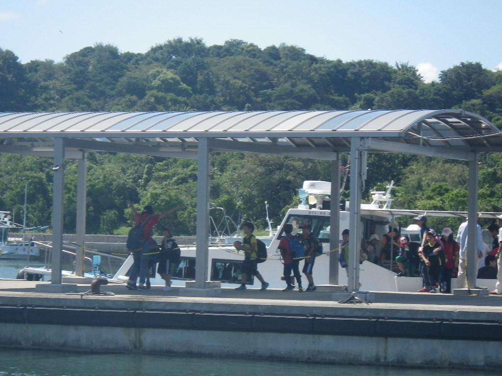 犬島への遠足らしき貸切船