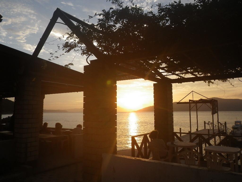 島宿三虎の朝
